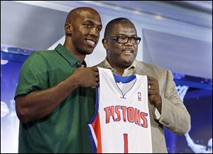 Chauncey Billups, left, listened when Joe Dumars and the Pistons asked him to return to Detroit, where he played six seasons.