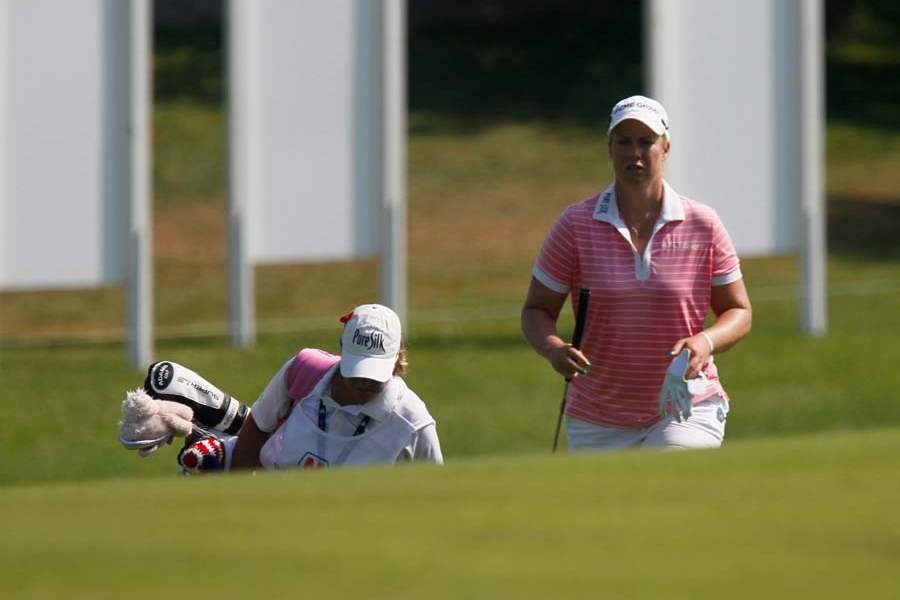 SPT-lpga19p-LINICOME-and-caddy-on-9