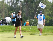SPT-lpga19p-gulbis-applause-hole-18