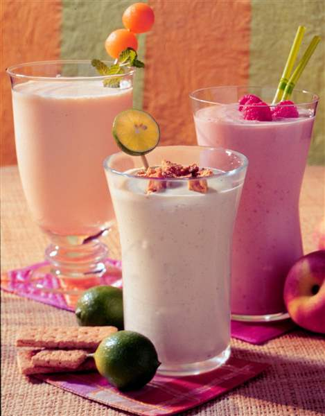 FEA-FRUIT-SHAKE-SMOOTHIES-jpg