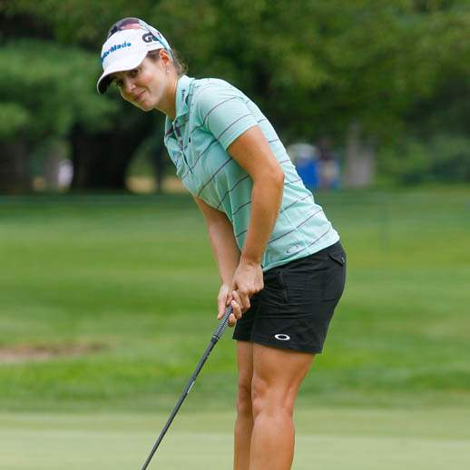 Beatriz-Recari-reacts-to-missing-a-putt-for-birdie-on-5