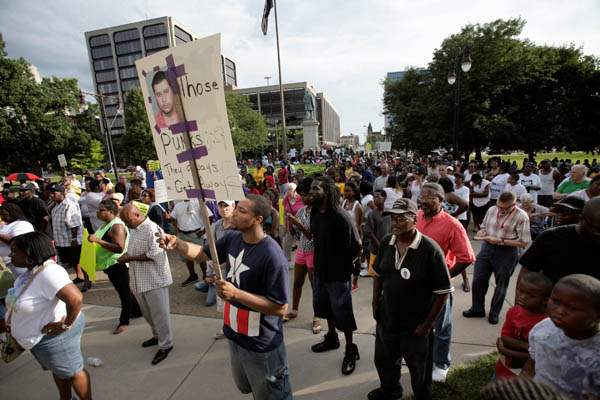 Hundreds-of-people-attend-a-rally-for-Trayvon-Martin-July-2