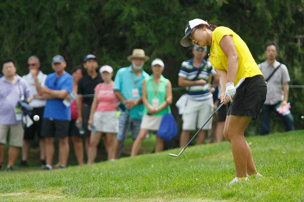 Amateur-Lydia-Ko-hist-out-of-the-rough