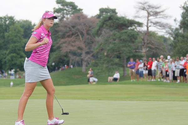 Paula-Creamer-after-a-birdie-putt-on-nine
