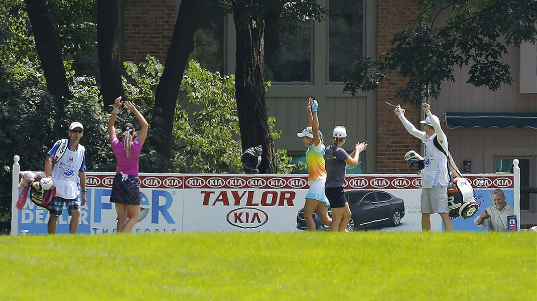 Lexi-Thompson-center-celebrate