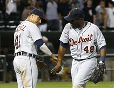 Detroit-Tigers-Victor-Martinez-41-celebrates