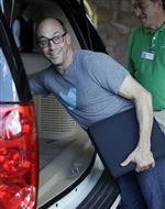 Dick-Costolo-CEO-of-Twitter-arrives-at-the-A