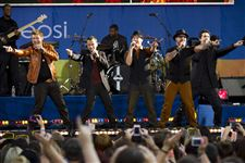 Backstreet-Boys-on-GMA-color