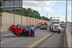 A multi-vehicle accident on I-75 temporarily closed the highway this afternoon.