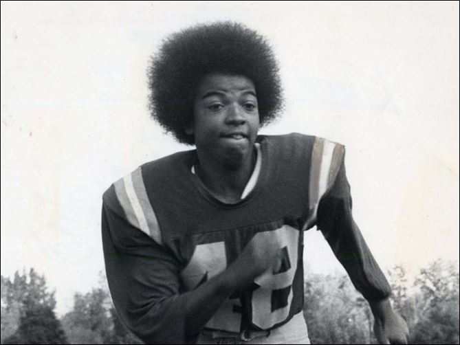 spt LINDA JEFFERSON.jpg Linda Jefferson is one of only four women to be inducted into the American Football Association Hall of Fame.