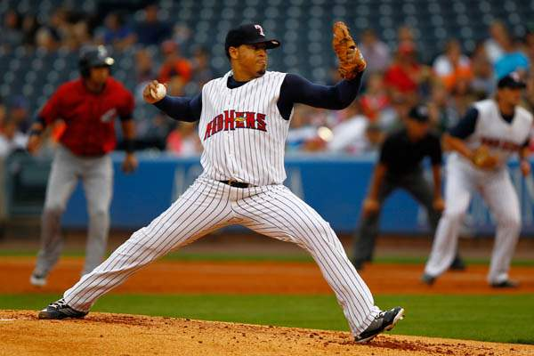Toledo-s-Jair-Jurrjens-throws-a-pitch-1