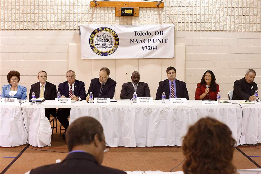 NAACP-Unity-forum-Toledo-mayor