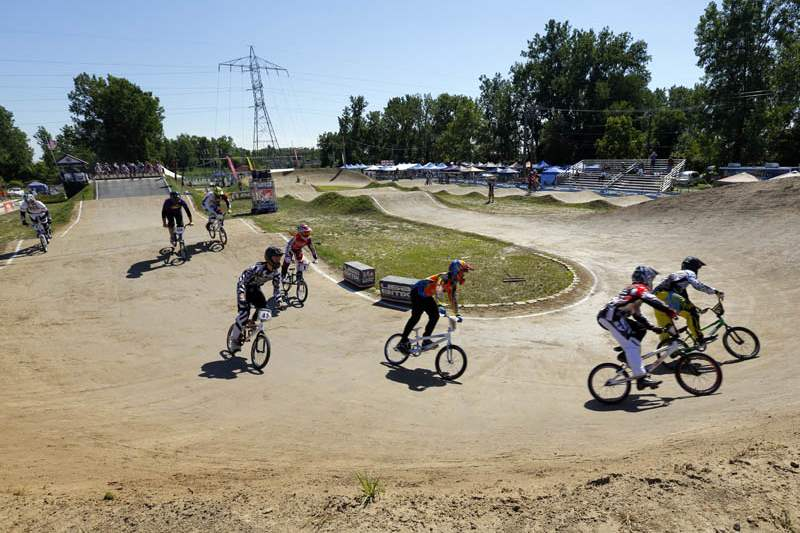 BMX-race-first-turn