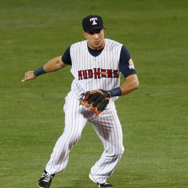 Toledo-s-Hernan-Perez-bobbles-a-hit-but-still-makes-the-play-to-first