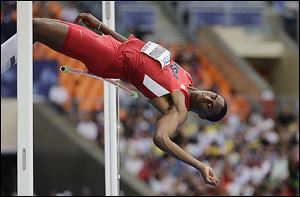 Toledoan Erik Kynard finished fifth with a leap of 7 feet, 7.25 inches in the men's high jump final at the World Athletics Championships in Moscow on Thursday.