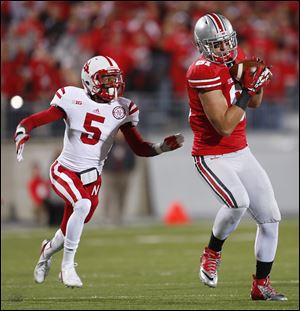 Ohio State tight end Nick Vannett makes a catch last year against Nebraska. The sophomore was a high school basketball star suburban Columbus.