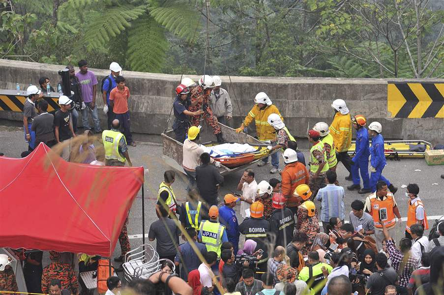 Malaysia-Bus-Accident-2