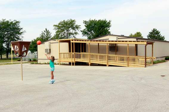 The-fifth-grade-outdoor-classrooms-on-the