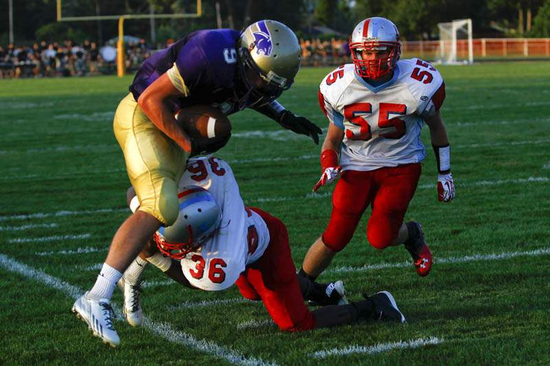 Maumee-Bowsher-tackle