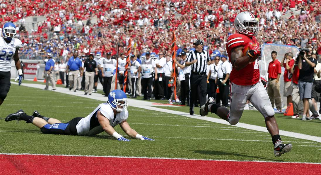 Ohio-State-halfback-Jordan-Hall-7-scores-a