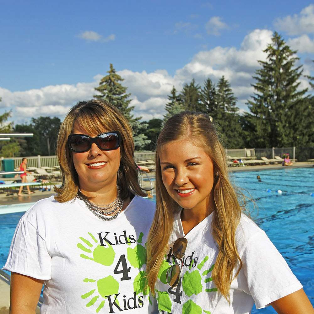 SOC-kids29p-laurie-and-abbie-tomkinson
