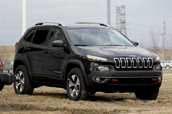 Enlarge | Buy This Image. The 2014 Jeep Cherokee Is Now Officially The Most  Fuel Efficient Jeep Ever Offered In ...