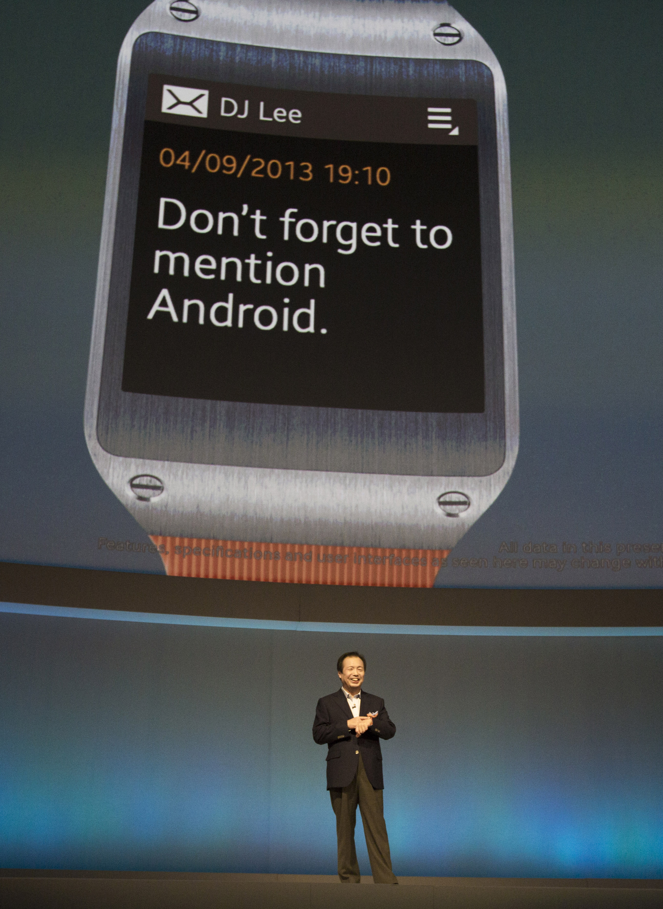 Samsung unveils new smartwatch that makes calls