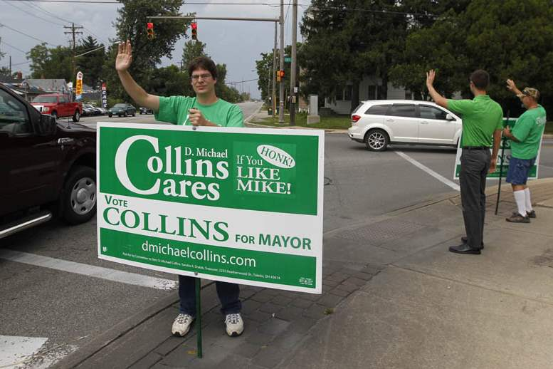 Candidates-Collins-volunteers