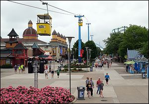 Cedar Fair attributed the increase in revenues to a 5 percent rise in in-park spending by its guests.