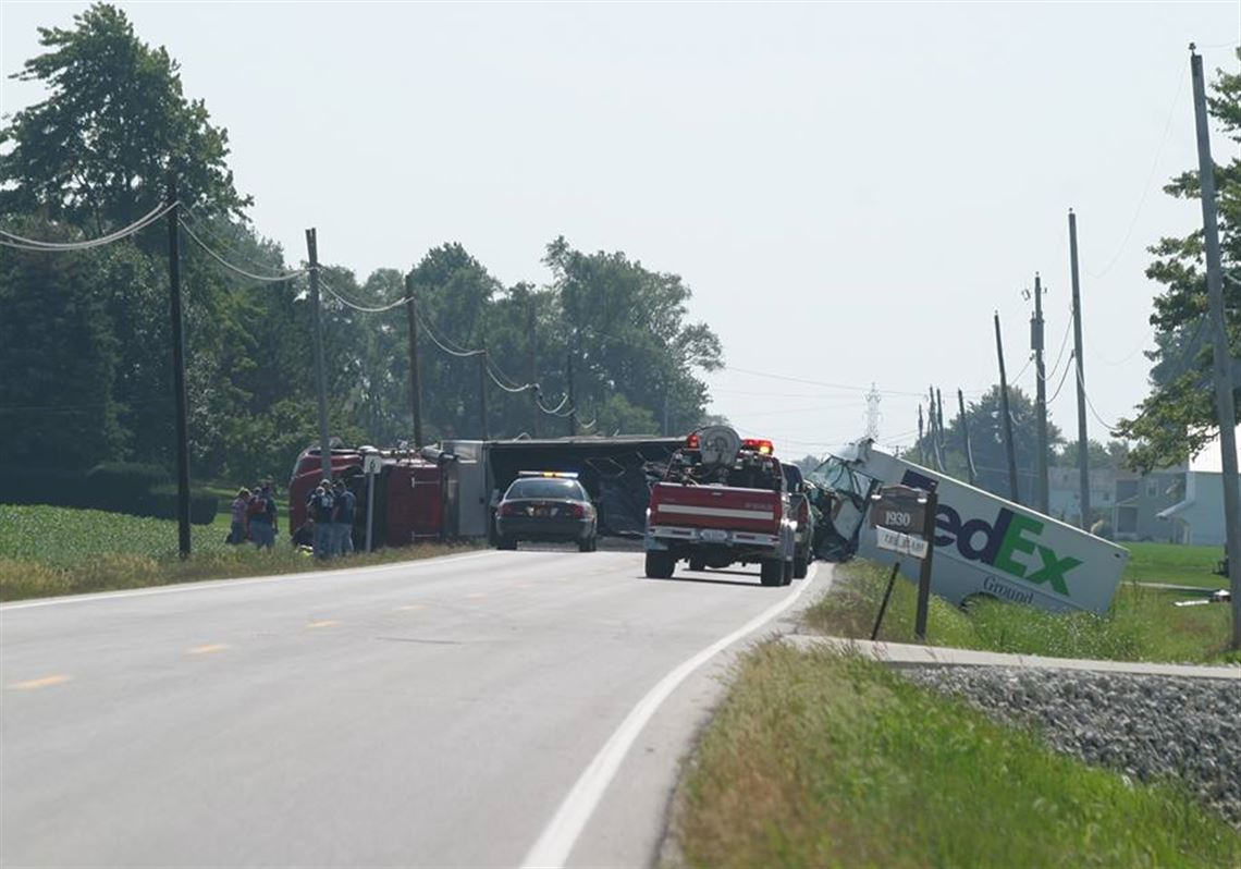 Fed-Ex truck and dump truck collide on State Rt  19   Toledo