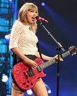 Music-CMA-Awards-swift