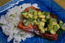 Alaskan-Salmon-With-Kiwi-Pineapple-Salsa-Scoop