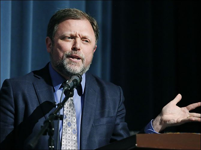13n6forum Anti-racist author, educator, and essayist Tim Wise speaks during the forum on racism Thursday at Woodward High School.  The event was sponsored by the Toledo Community Coalition and The Blade.