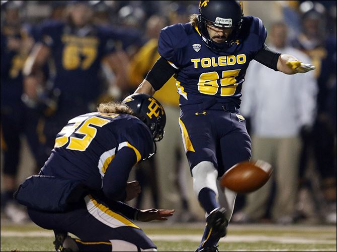 s6detmer University of Toledo kicker Jeremiah Detmer has made 22 consecutive field goals for the Rockets. He can break Alex Steigerwald's team record of 23 straight with two more successful kicks.