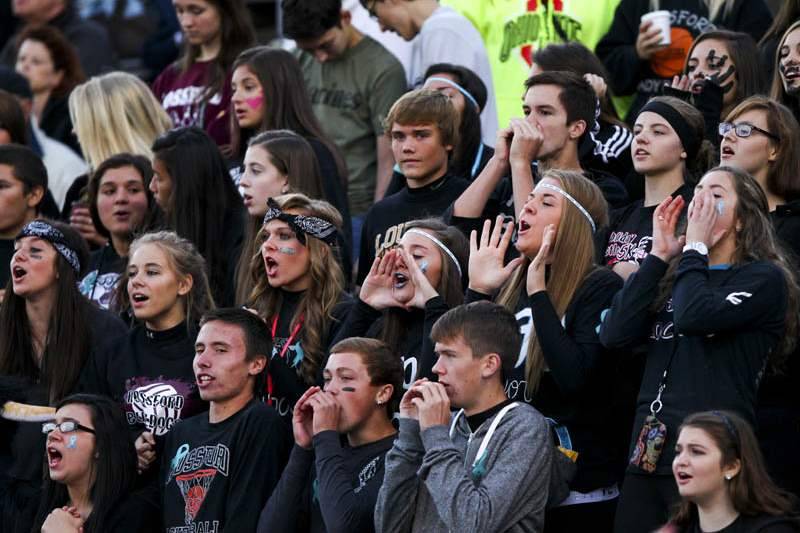 Springfield-Rossford-Bulldogs-fans