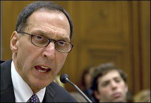 Richard Fuld, former CEO of Lehman Brothers, testifies at a congressional hearing in October, 2008.