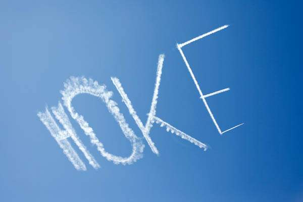 An-air-plane-writes-Hoke-in-the-sky