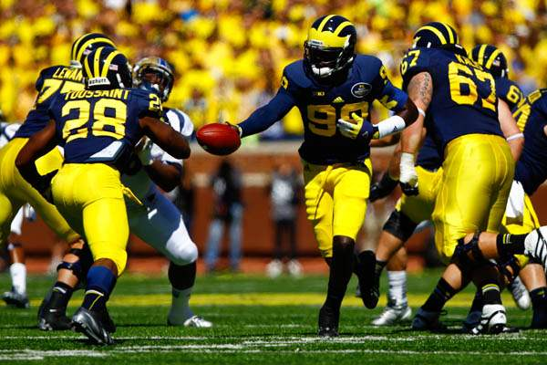 Michigan-senior-quarterback-Devin-Gardne