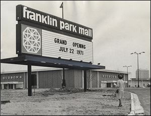 The Franklin Park Mall opened in 1971 and bested three other area malls: Southwyck Shopping Center, North Towne Square Mall, and Woodville Mall.