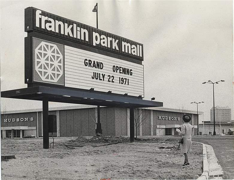 he-Franklin-Park-Mall-opened-in-19