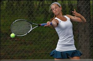 Notre Dame's Teagan McNamara won the TRAC's No. 1 singles title with a victory over St. Ursula's Celina Nowicki.