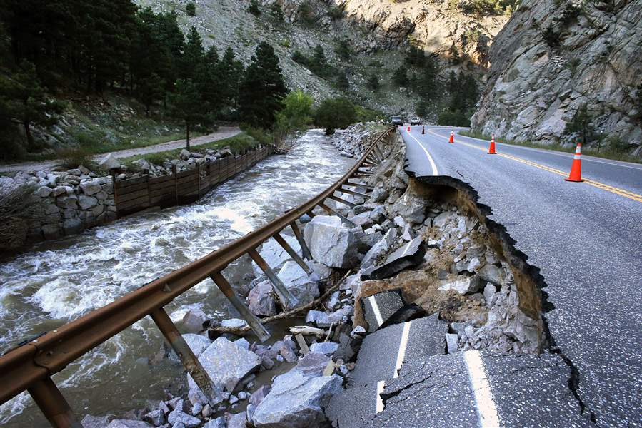 Colorado-Flooding-Roads-2