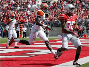Ohio State's Chris Fields (80) makes a catch for a touchdown against  Florida A&M during the second quarter.
