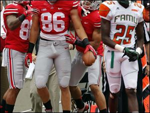 Ohio State TE Jeff Heuerman (86) celebrates scoring a touchdown against Florida A&M during the first quarter.
