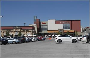 The exterior of the Westfield Franklin Park mall.