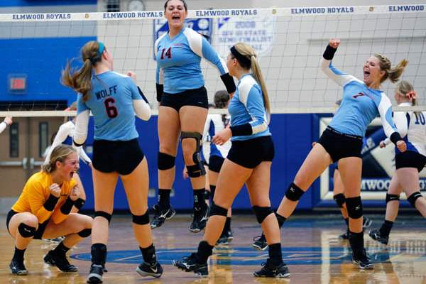 Eastwood-celebrates-winning-the-first-set-agains