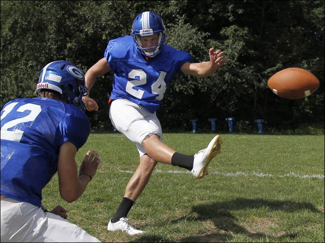 AW football Hartbarger Anthony Wayne High School kicker Jake Hartbarger was weighing offers from Oklahoma