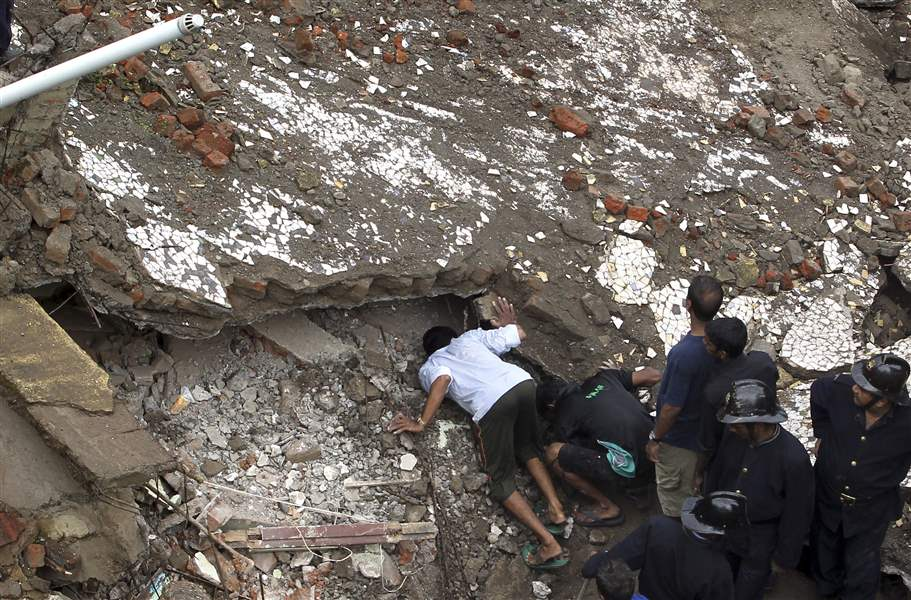 India-Building-Collapse-11