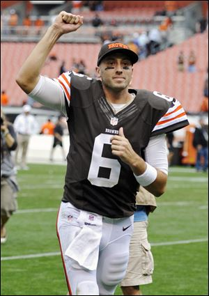 Cleveland Browns quarterback Brian Hoyer runs off the field after a 17-6 win over the Cincinnati Bengals on Sunday.