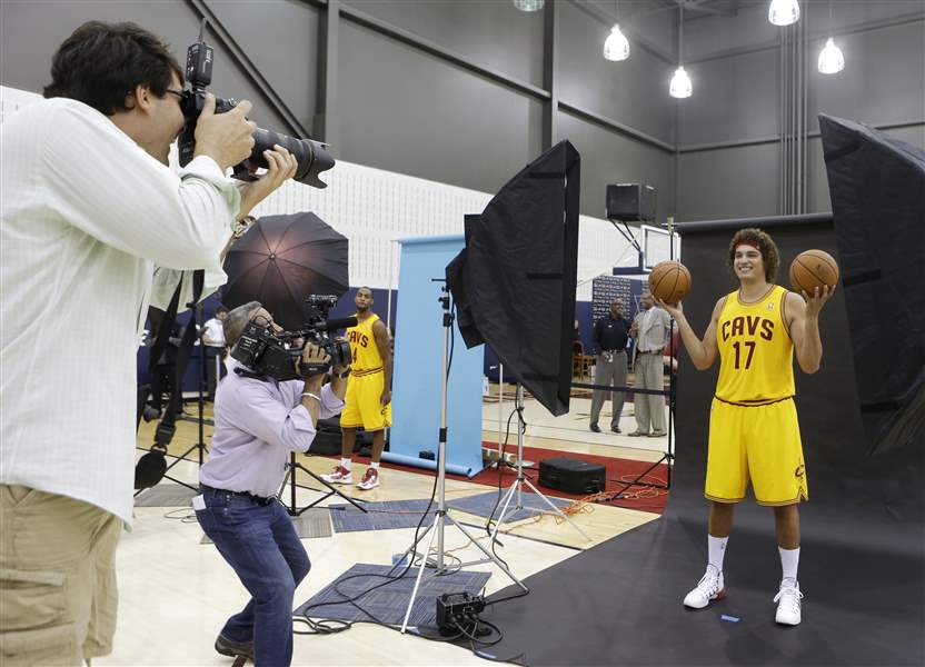 Cleveland-Cavaliers-Anderson-Varejao-from-Bra